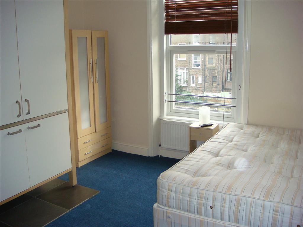 Studio flat West Kensington